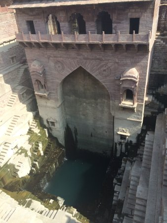 ‪Toorji Ka Jhalra (Toorji's Step Well)‬
