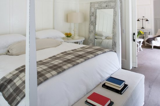 Farmhouse Inn & Restaurant: Luxury King Room