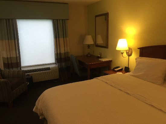 Front Royal, VA: From doorway into room