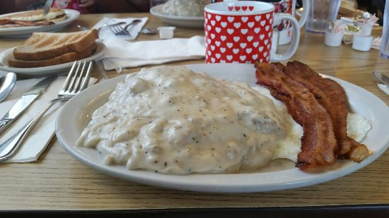 Tin Can Cafe : Biscuits and gravy over easy eggs and bacon