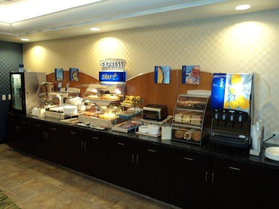 Dickson City, PA: Express Start Breakfast Buffet