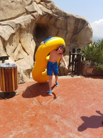 Dbayeh, Libanon: On his way to the Black Hole at the Water Park