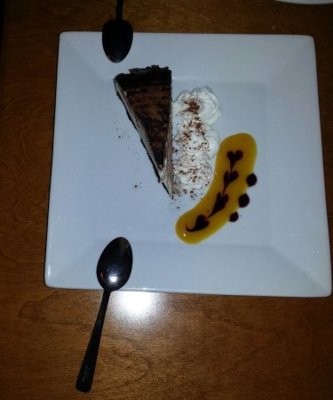 Bobcaygeon, Canada: Bailey's cheesecake...light in texture and full in flavour