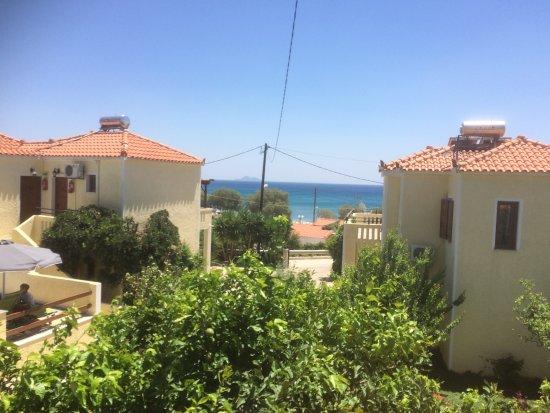 Foto de Agrilionas Beach Apartments
