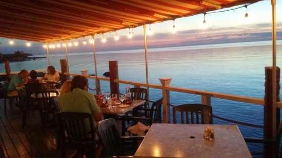Greenport, NY: Dine outdoors on our waterfront terrace