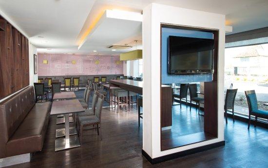 Whittlesford, UK: Bar and Lounge