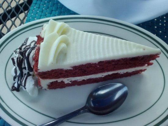 Island Park, NY: My red velvet dessert.. good finish for a leal