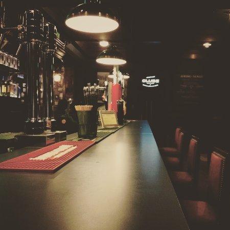 CLUBE Porto Rugby: Sala do bar