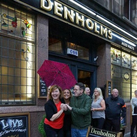 ‪Denholms Bar‬