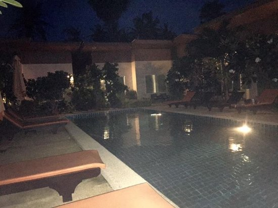 Cascades Boutique Resort: Chilling evening  at bar area