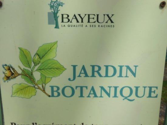 Jardin Public de Bayeux: The sign