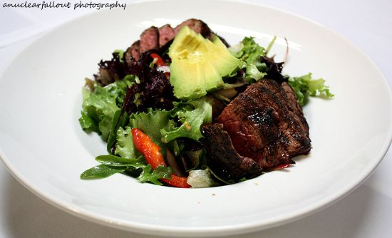 Del Mar, CA: Flat Iron Steak Salad