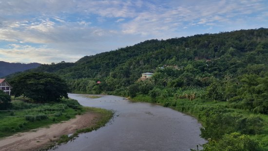 Tamparuli, Malezja: View from the middle part of the bridge