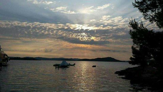 Kornati Islands National Park, Chorwacja: image-0-02-01-abd1979d3b847030134a244899a64d151fee00bd78ad3f691b963f595aa01e15-V_large.jpg