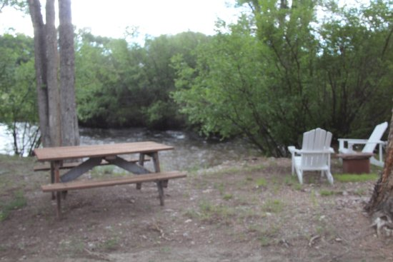Dubois, WY: Seating by the river