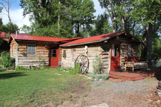 Dubois, WY: The bunkhouse cabin
