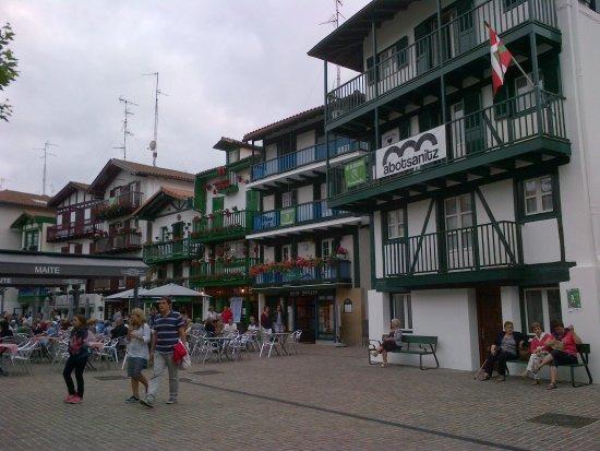 Ardoka Vinoteka : Dans un décor typiquement basque