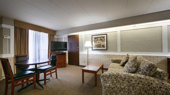 Best Western Parkway Hotel Toronto North 84 ̶1̶3̶1̶