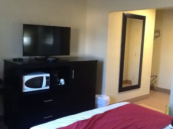 Quality Inn: Room. Nice, clean and quiet. April 2016
