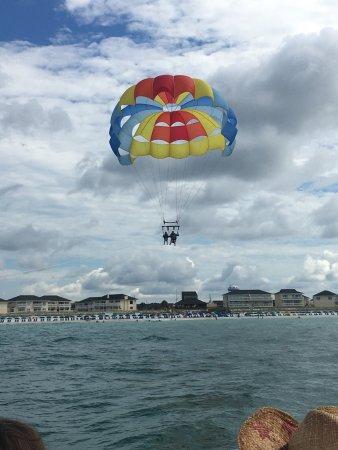 Destin Parasailing: Had a great time parasailing her first time!!