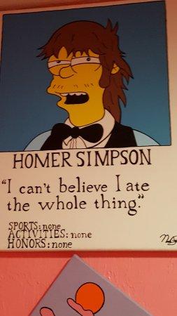 Moe's Tavern: Homer's Yearbook