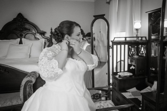 Mount Merino Manor: The room was comfortable and a dream backdrop for wedding photos!