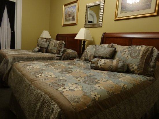 Beacon Hotel Oswego : Bequeme, komfortable Betten