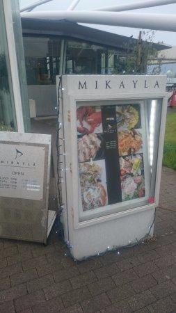 Mikayla: Вход