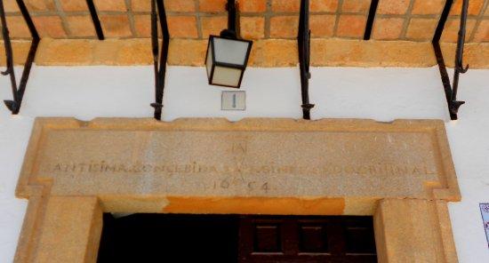 Tembleque, Spanje: Detalle puerta del Ayuntamiento