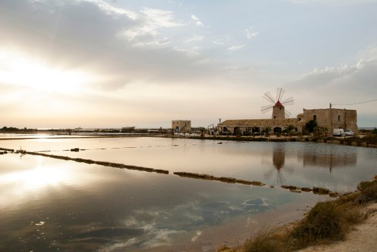 La salina picture of museo delle saline trapani for Salina sicily things to do