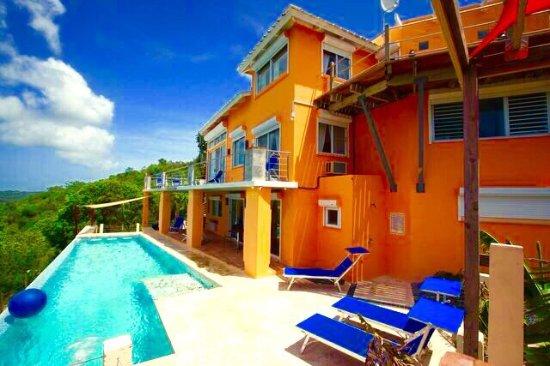 Vieques Villa Gallega A-16-N : VIeques vacation villa gallega