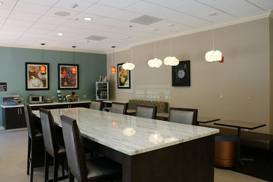 BEST WESTERN Plus Roswell/Alpharetta: Breakfast area