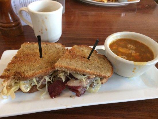 Motley Cow Cafe: photo1.jpg