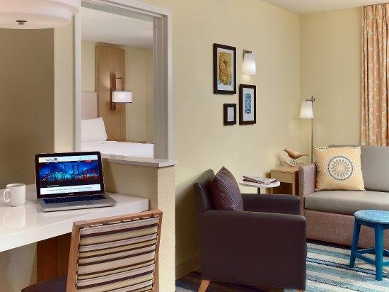 Sonesta ES Suites Parsippany: One Bedroom Suite