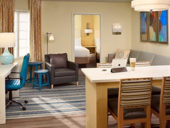 Sonesta ES Suites Parsippany: Two Bedroom Suite