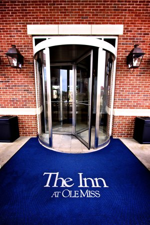 University, MS: The Inn Entrance