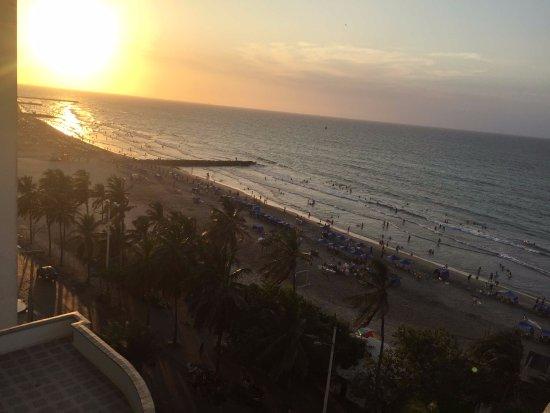 Hotel Cartagena Plaza: vista do quarto do por do sol na praia de bocagrande