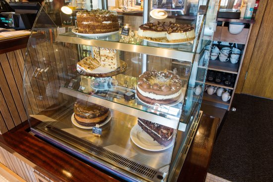 Stevenston, UK: Cakes to go!