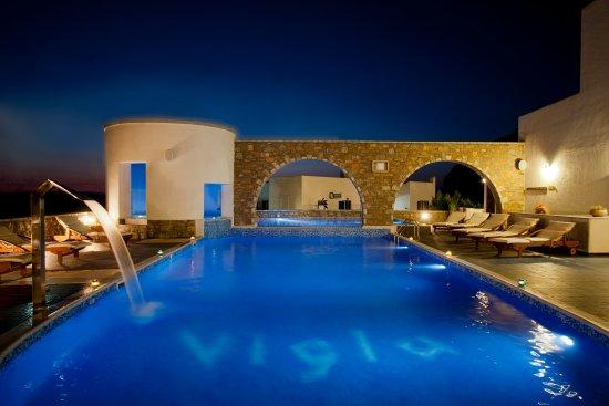 Vigla Hotel: Pool