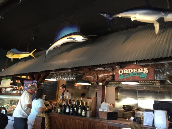 Fisherman's Market & Grill: Order first and then sit down