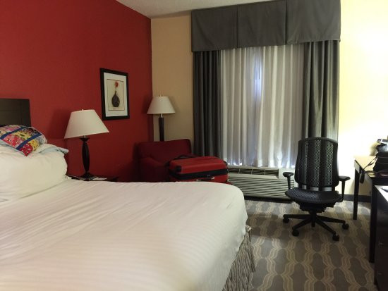 Holiday Inn Express Knoxville Strawberry Plains: photo1.jpg