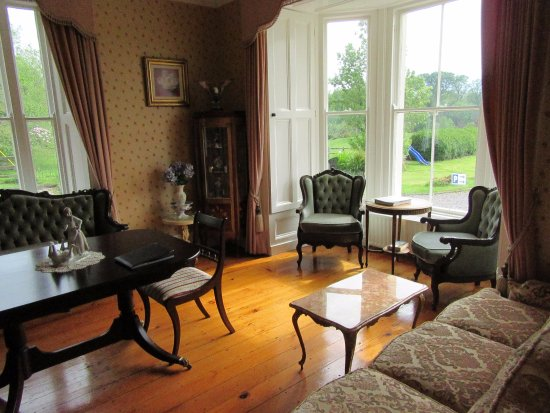 Carriglea House: side room in the building for relaxing