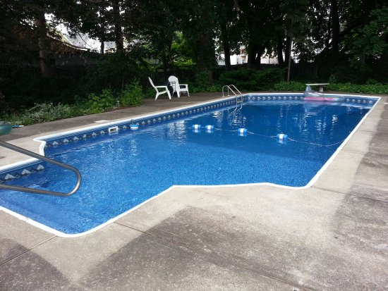 Kingston, NY: Swimming Pool