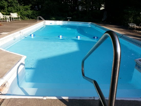 Kingston, NY: Pool