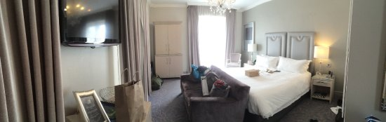 Queen Victoria Hotel: This was our corner room.