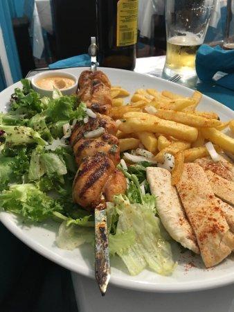 Ellesmere, UK: Meat platter for 2 and chicken souvlaki
