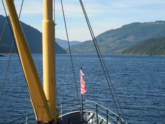Lady Rose Marine Services: Setting out