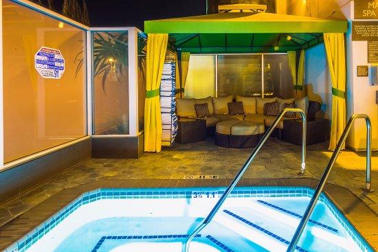 Hotel Indigo Anaheim: Whirlpool