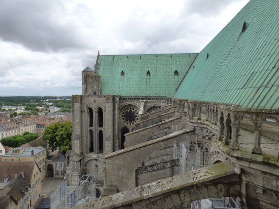 Tower of Chartres Cathedral: A mi chemin
