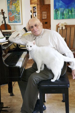 New Lebanon, Νέα Υόρκη: Monte Wasch explains how a popular song turns into jazz. Cats welcome, but not required. (Uli Ro